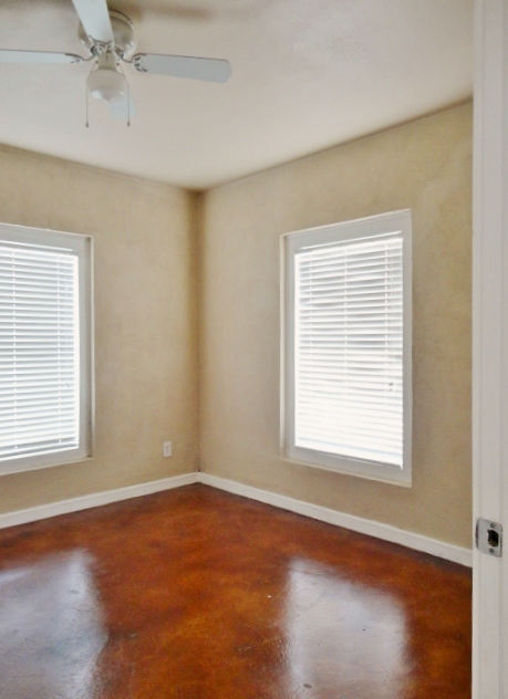 Wood blinds in all windows